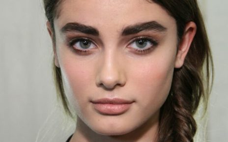 Grow Thicker Eyebrows Naturally